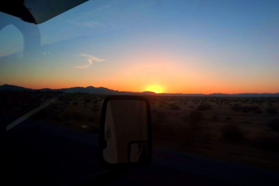 Zonsondergang-richting-barstow