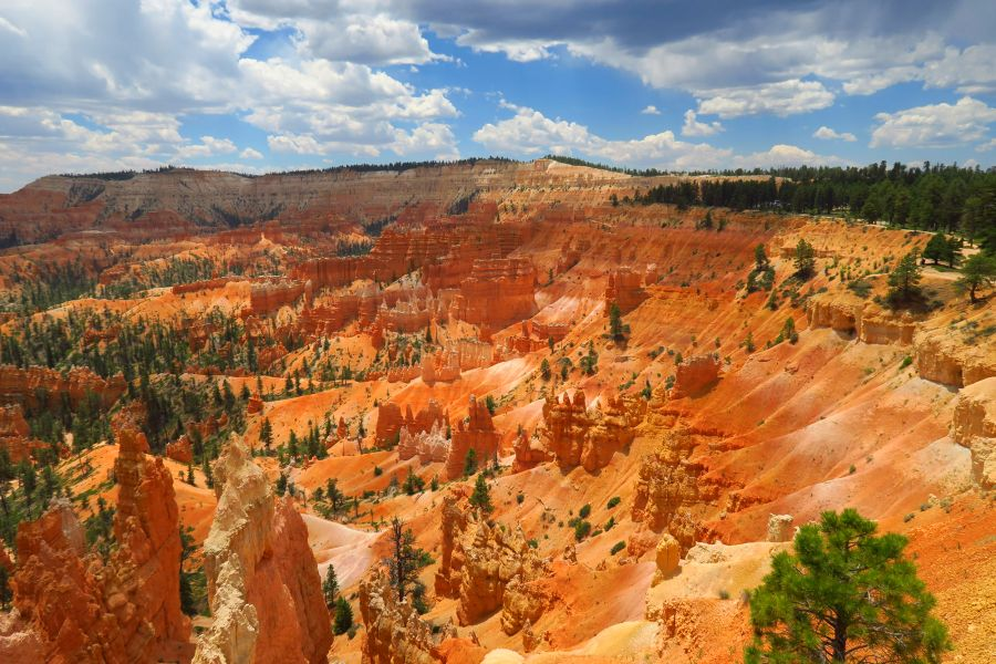 Bryce-Canyon-National-Park-view-amfitheater-2