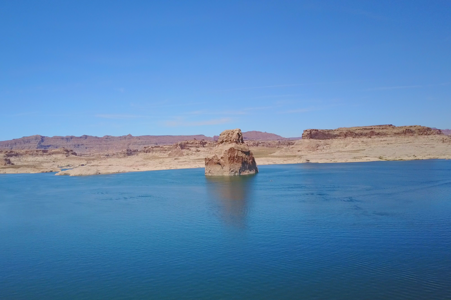 lone-rock-beach-lake-powell
