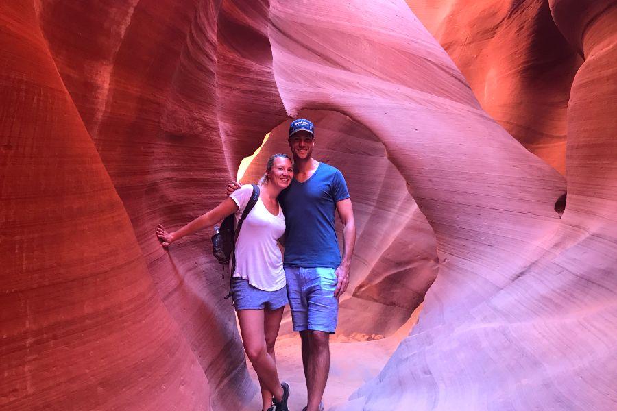 Antelope-Canyon-view-selfie
