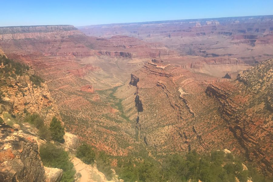 Grand-Canyon-desert-view-2