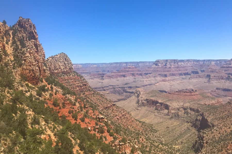 Grand-Canyon-grand-view-point-down