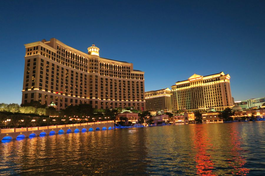 Las-Vegas-bellagio-sunset