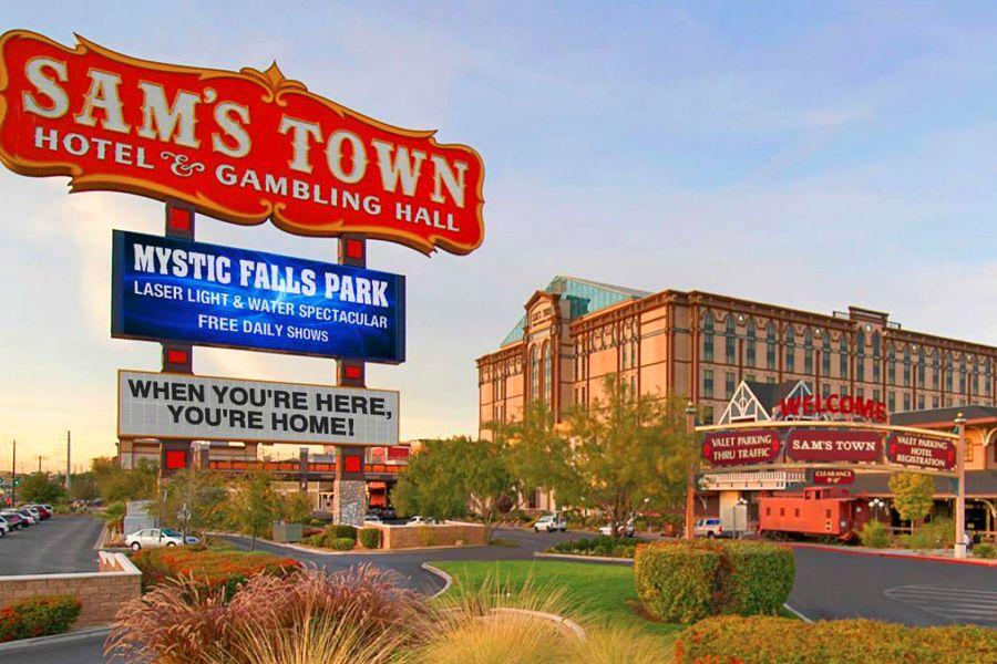 Sams-town-sign