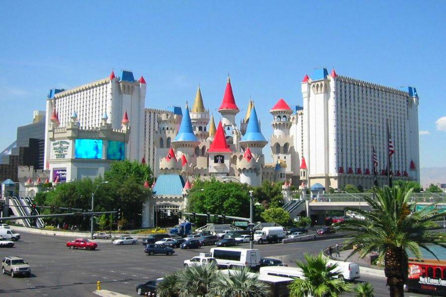Las-Vegas-excalibur-hotel