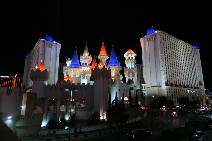 Las-Vegas-hotel-excalibur