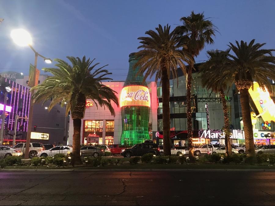 Las-Vegas-strip-coca-cola