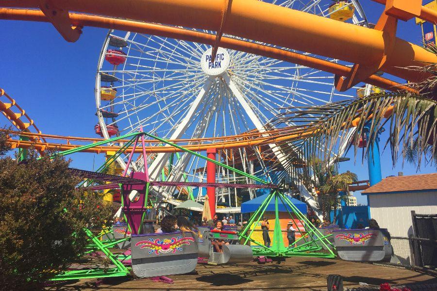 Santa-Monica-Pier-Park-cars