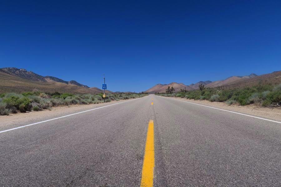 Mojave-desert-on-the-road