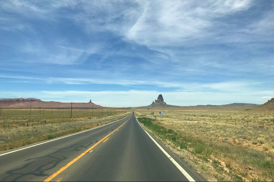 Monument-Valley-road