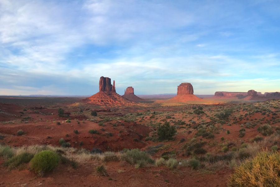 Monument-Valley-view-sunset