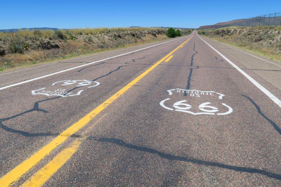 Route-66-Seligman-road