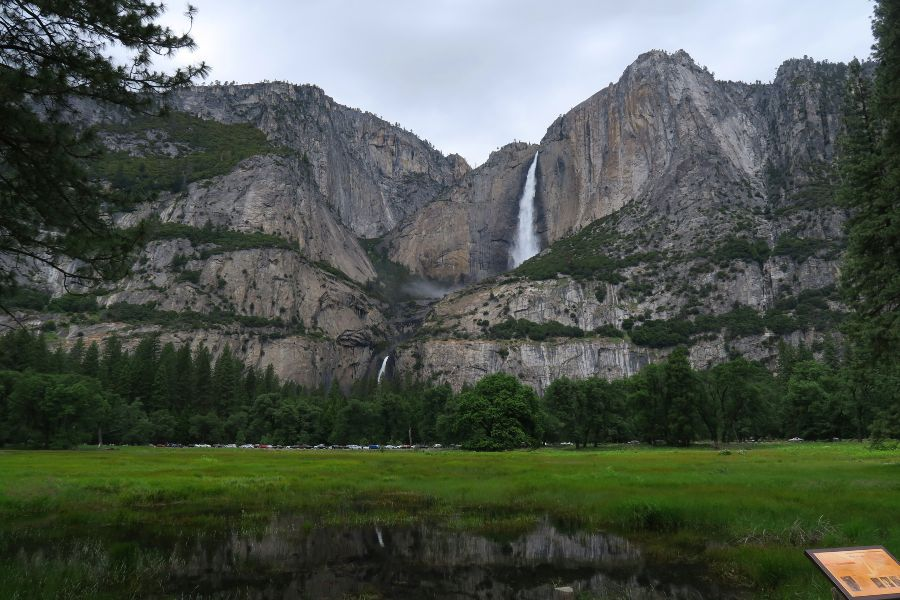 Yosemite-valley-waterfalls